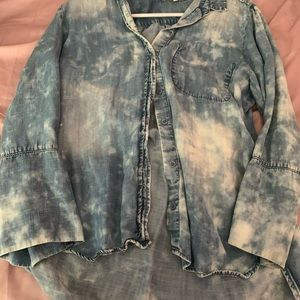 Loose fitting top with splatter paint design
